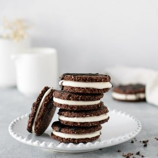 Bolachas de chocolate com recheio côco