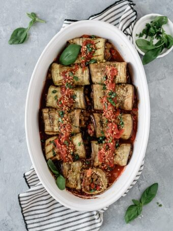 Rolinhos de beringela com lentilhas