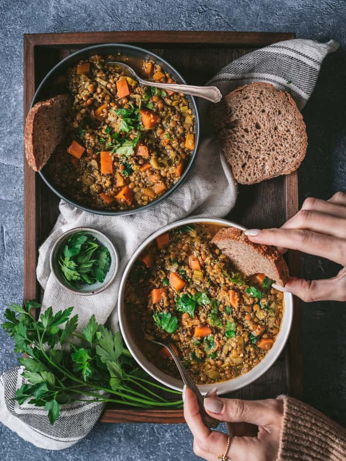 Sopa de lentilhas e quinoa